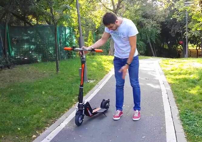scooters électriques rasoir pour les enfants