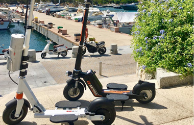 Airwheel Smart folding electric scooter